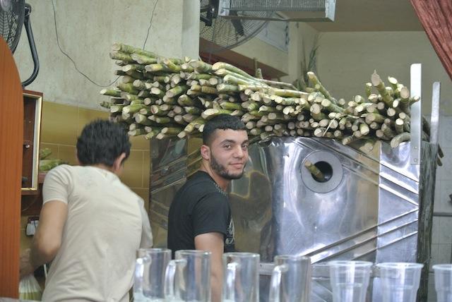 Juicetillverkning av sockerrör bl a