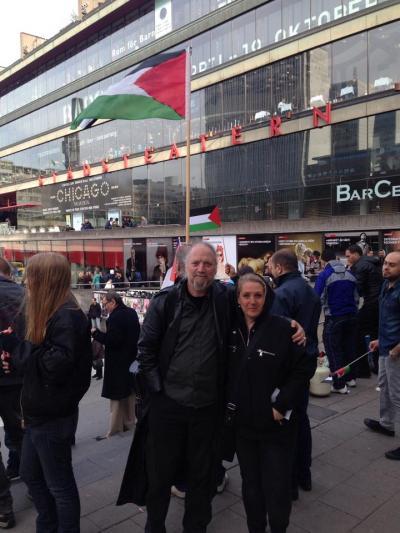 Jag med Dror Feiler från Judar från Israelisk Palestinsk fred och vänsterpartiet, som också talade