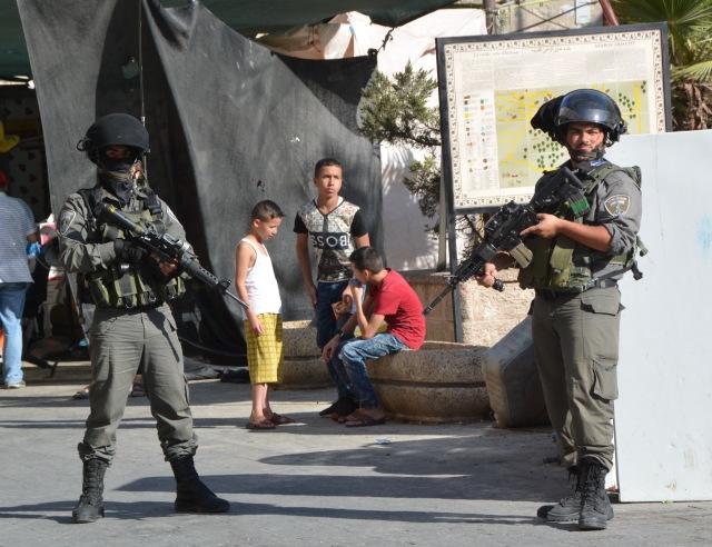 barn-och-soldater-hebron